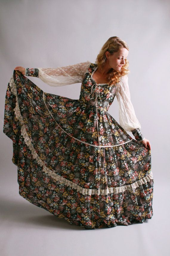 1970s dress / 70s full length floral gunne sax dress / Spring At Your Fingertips / by coralvintage, $140.00