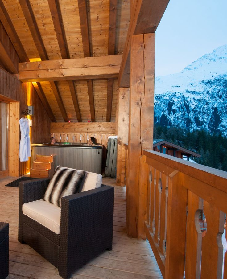 Are you looking for a unique ski holiday destination?   Just a stone's throw from the chairlift in resort, in the very heart of Sainte Foy, The Peak encompasses the very best in comfort, luxury and style.   #premiereneige #saintefoy #france #luxuryski #skiholiday #tarentaise #ski #snowboard #skiing #luxurytravels #beautifuldestinations #themountainsarecalling #family #friends #snow #alpine #winter