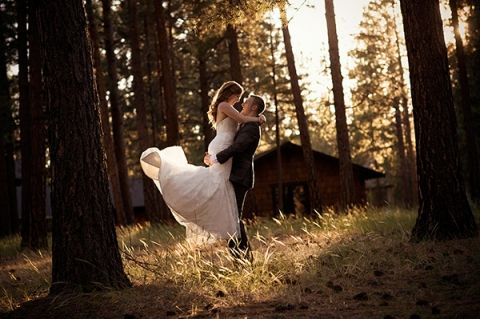 FivePine Lodge summer wedding. Sisters, Oregon wedding. Central Oregon wedding Destination. Kimberly Kay photography.