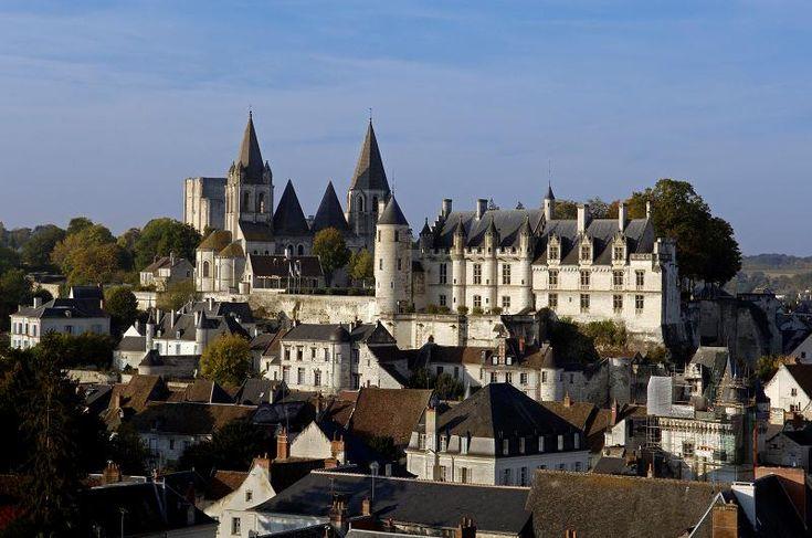Si quieres hacer una visita a nuestro país vecino de una manera diferente, una opción interesante es la ruta castillos Francia. Y, si además no quieres dejar de maravillarte, no debes perderte la ruta de los #castillosdelLoira. Tierras de reyes y de batallas, el valle por el que avanza el Loira posee una …