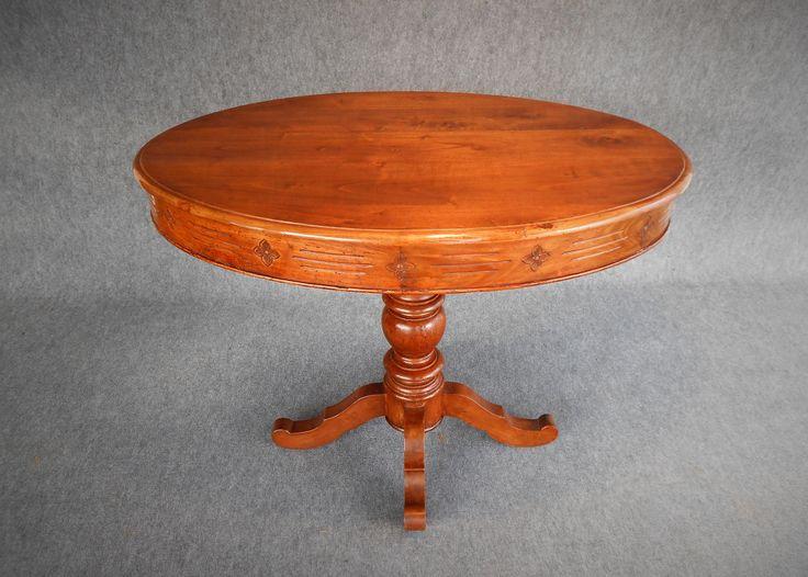Restauro di Tavolino da solotto di fine '800 in noce massello .