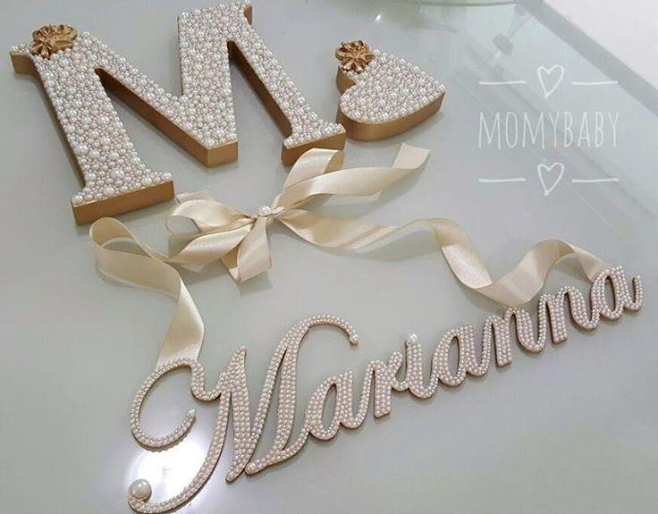 Lindo kit da princesa Marianna. Letra M de 18cm, coração 10cm e nome cursivo com laço para pendurar.  Faça seu orçamento e encomende conosco, temos ofertas incríveis esperando por você! 📲 (33) 99145-5830 ou Direct  Enviamos para todo Brasil 🚚  #PortaMaternidade #Quadro #Moldura #Quadrinho #Presente #Decoração #BabyRoom #QuartoDeBebê #QuartoDeMenina #QuartoDeMenino #MãeDeMenina #MãeDeMenino #LetrasPeroladas #LetraDecorada #LetraPersonalizada #InicialDoNome #Pérolas #QuartinhoDeBebe…