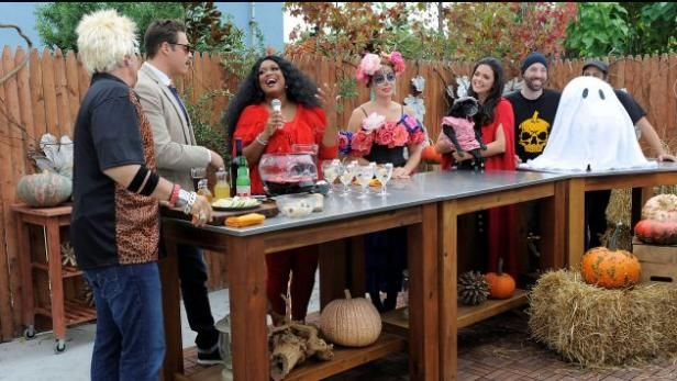 """Watch The Kitchen: Full Episodes from Food Network.  """" Sweets and Treats"""""""