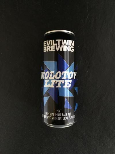 Evil Twin-Molotov Lite-India Pale Ale @ Beer Republic • Order it / Buy it / Bestel het / Kauf es / Achete . Amerikaans • Canadees • Nieuw Zeelands bier bestellen online. Buy American • Canadian • New Zealand beer online. Online bier coffin. Acheter bierre online.
