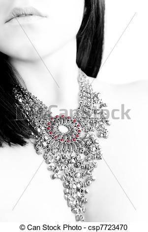 #adulto #Adulti #attraente #perline #bello #bellezza #nero #luminoso #cura #allegro #closeup #cosmetica #CÙte #scuro #disegno #faccia #moda #femmina #femminile #fresco #freschezza #ragazza #fascino #capelli #mano #salute #sano #gioielli #signora #stile #labbra #lungo #bocca #perla #Persone #persona #ritratto #carino #rosso #seduzione #pelle #skincare #sorriso #morbido #donna #Donne #giovane