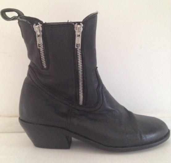 Zipt BOST Boots #black #leather #zipper #boots #BOST #vintage @BOST LTD #BOSTLTD