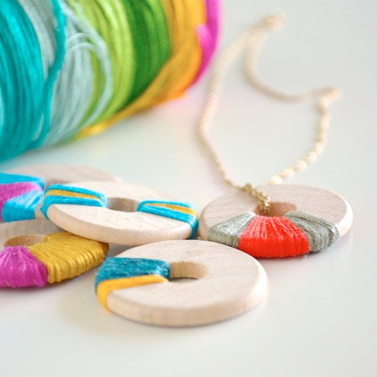 Wooden washers can make great jewelry and accessories. Three ways to DIY using embroidery floss, sharpie markers, and paint.
