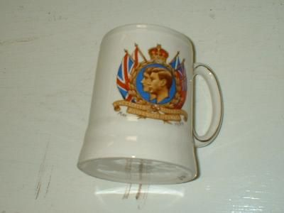 Commemorative mug from King George VI & Queen Elizabeth's Canadian visit, 1939. Colchester Historeum collection, Truro