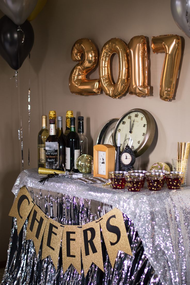 It's almost time to pop champagne and celebrate the new year! Get your bar ready with these party decorations!