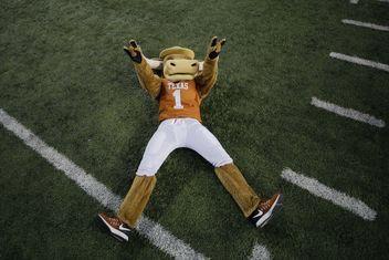 Texas Longhorns Football - Barking Carnival