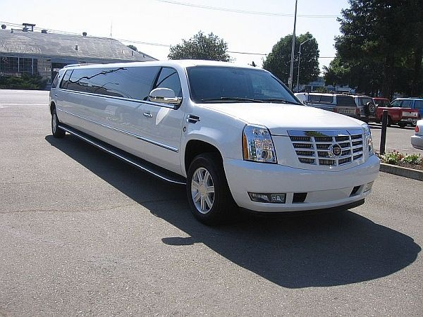 Beautiful & Spacious! Limousine rental, Limousine, Party