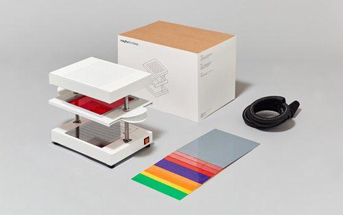 Larevuedudesign-Makers-Do-it-yourself-DIY-imprimantes-3D-Mayku-Kickstarter-Formbox-thermoformage-moules-objets-design-formation-etudiant-prototype-01