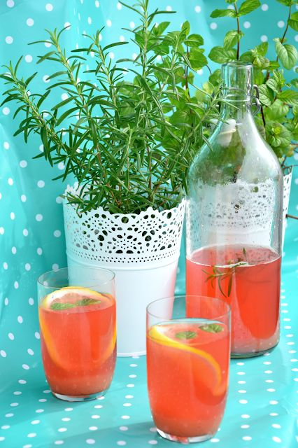 Szefer w kuchni: Lemoniada rabarbarowa