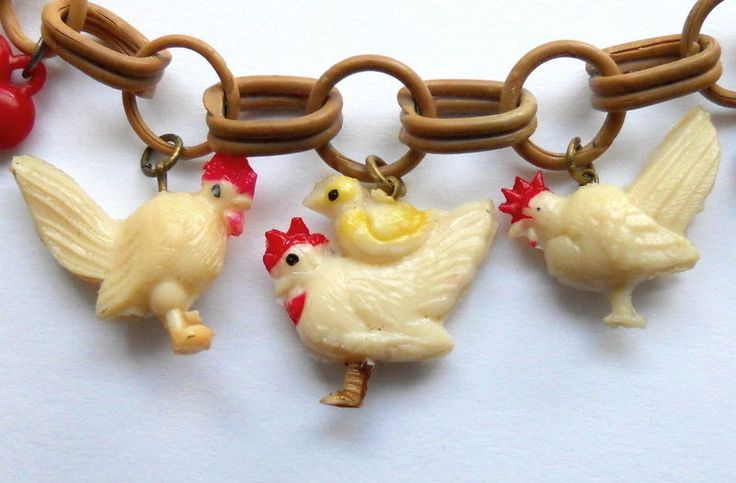 I LUV ROOSTERS! Vintage Celluloid CHARM Bracelet Chicken Chick-A-Doodle-DO! #Unsigned #CharmBraceletwRoosterCharms