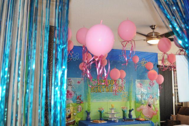 Jellyfish balloons at a Sponge Bob Party #spongebob #party