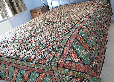 King-Size-Bedspread-Large-Sofa-Throw-Green-Red-Embroidery-Patch-2-6m-8-5ft-NEW