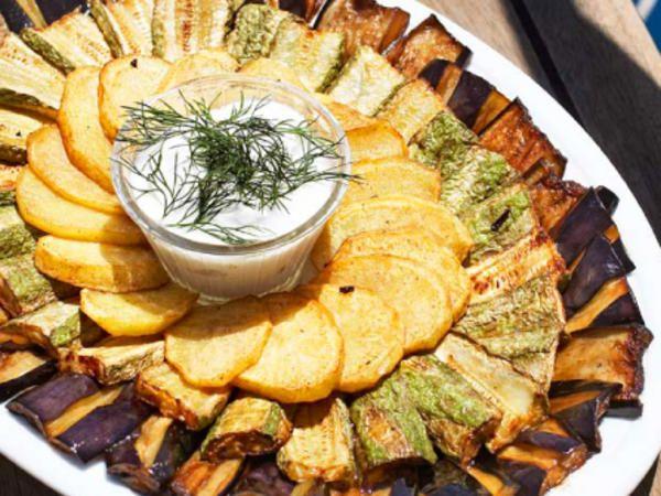 Stekta grönsaker med fetadipp