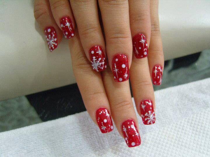 Röda och vita snöflingor