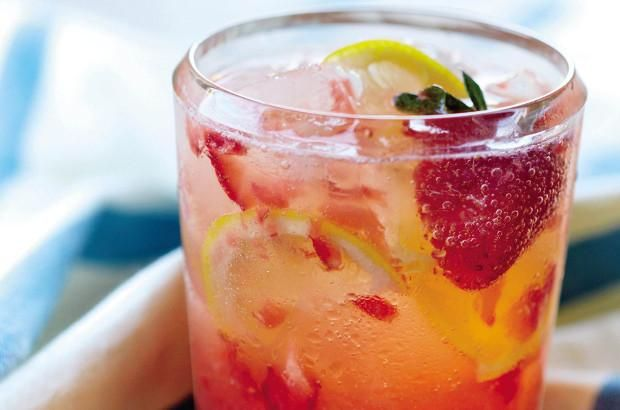 20 Cocktails Under 200 Calories