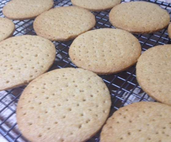 Recipe Almost 'Mcvities Digestive Biscuits' by Aprilstar - Recipe of category Baking - sweet
