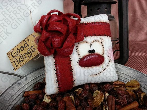 Good Tidings Present Gift Pattern 132 by GingerberryCreek on Etsy
