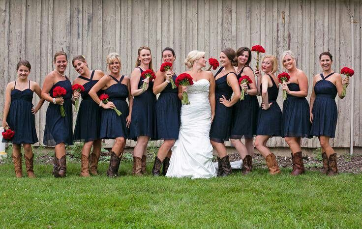 Cutest 4th of July wedding idea...red white and blue!