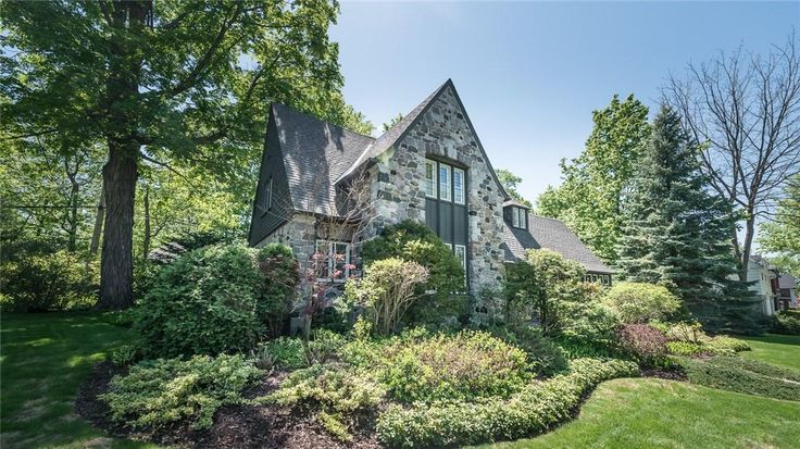 Stunning and breathtaking Home in #Ottawa https://www.snapuprealestate.ca/listing/Ottawa-ON/house-for-sale-704-Island-Park-Dr%2C-Ottawa%2C-ON-K1Y-0B7-6031554927?mortgageVar=m3&utm_expid=87617851-1.urOs7_xsRdulcbXmFu_bHA.3&utm_referrer=https%3A%2F%2Fwww.snapuprealestate.ca%2FmanageListing