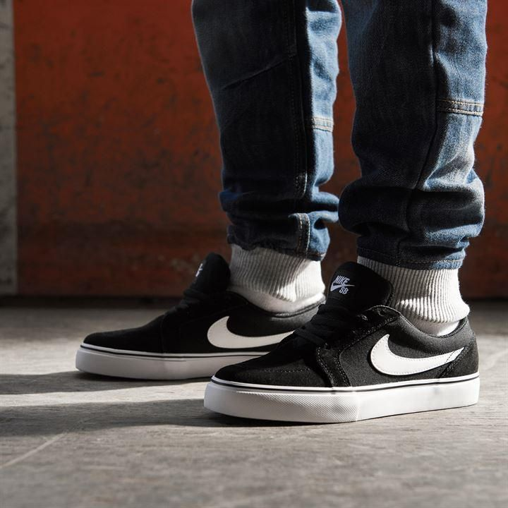 Skate Shoes   Nike Satire II Skate Shoes Junior   Skate Shoes