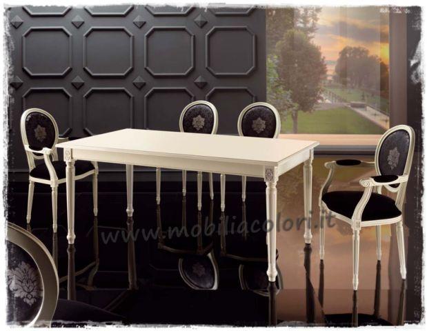 Sala da pranzo in stile luigi XVI con #tavolo luigi XI allungabile decapato shabby, una stanza romantica