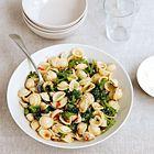 Een heerlijk recept: Orecchiette met broccoli en pijnboompitten