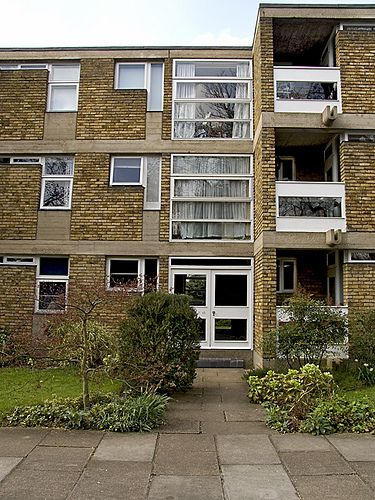 Langham Close flats. Ham Common. 06