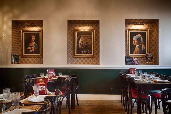 Έντεκα μαγαζιά της Αθήνας όπου η πολίτικη κουζίνα παίζει τον πρωταγωνιστικό ρόλο και τα μπαχάρια ευφραίνουν την ψυχή μας.