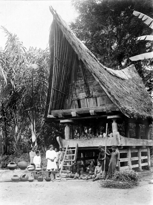 Pottery making by Batak women in Tarutung, Indonesia, ca. 1900.