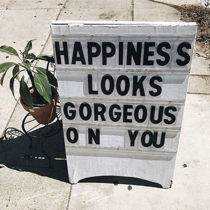 """50 Likes, 1 Comments - FPGreatLakes (@fpgreatlakes) on Instagram: """"Smile babes! It's Friday #freepeople #vibes by: @jcorinna"""" #YOUrrific #YOU #BeYOU #Confidence #SelfWorth #Fashion #Fitness #FitFam  #SelfConfidence #Lifestyle #Success #Goals #YesYouCan #Love #Happiness #Joy  #Podcast #Instagood #Family  #Influence #LifeCoaching #Coaching #Trend #Thread"""
