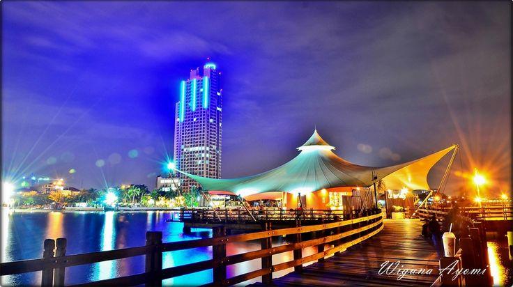 ANCOL BEACH. JAKARTA. INDONESIA