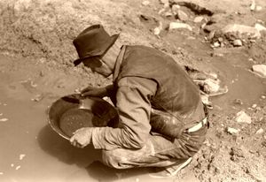 Gold Panning in the American West | Education | Pinterest ...