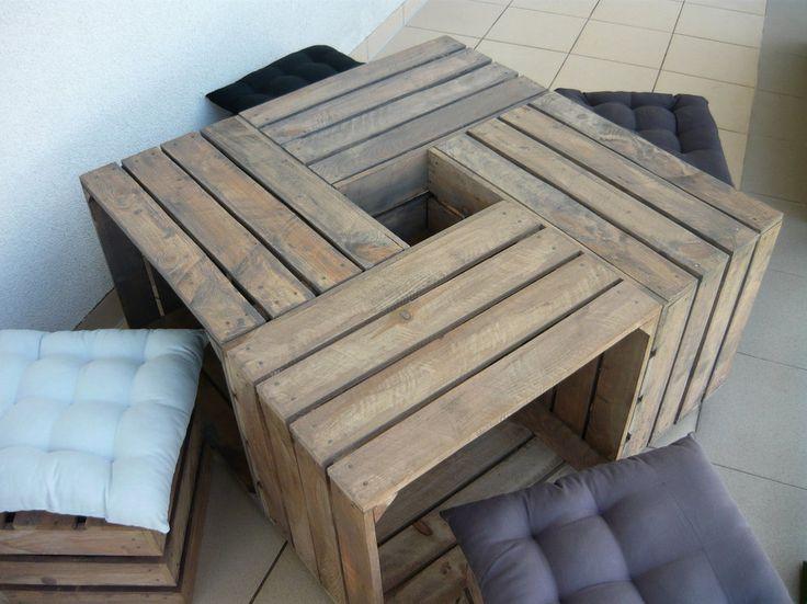 Rośliny i ogród, Stolik ze skrzynek - Własnoręcznie wykonany stolik ze skrzynek.