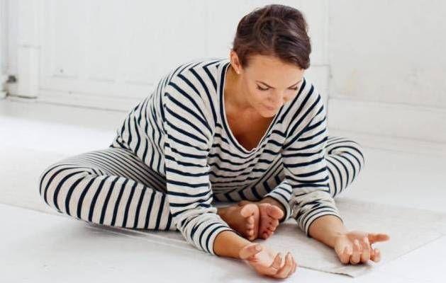 Gaaab. Yoga øvelser kan give dig bedre søvn. - Foto: Kamilla Bryndum
