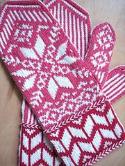 Ravelry: Make A Flake pattern by Valerie Woodworth