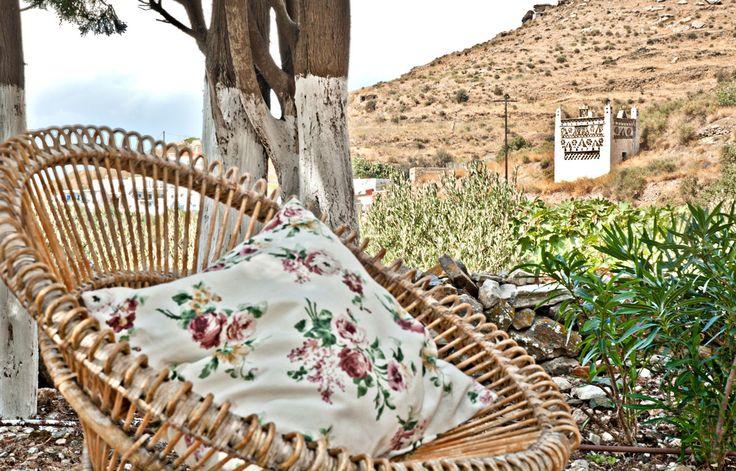 outdoor hip living - Loutra villa