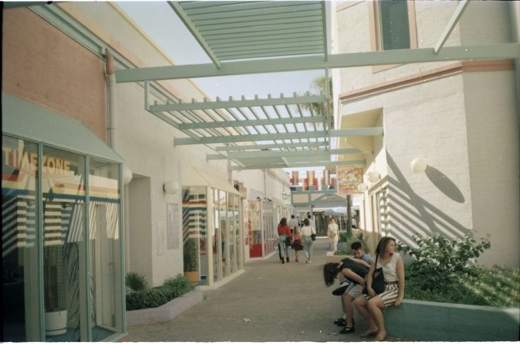 315446PD: Shopping plaza, South Terrace, Fremantle, April 1989  https://encore.slwa.wa.gov.au/iii/encore/record/C__Rb3723388