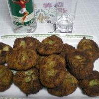 Kolokythokeftedes - (fried zucchini and feta patties) The picture ...