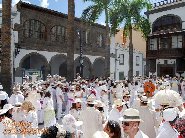 Los Indianos, czyli największa impreza karnawałowa w Santa Cruz de La Palma obchodzona corocznie w karnawałowy poniedziałek.