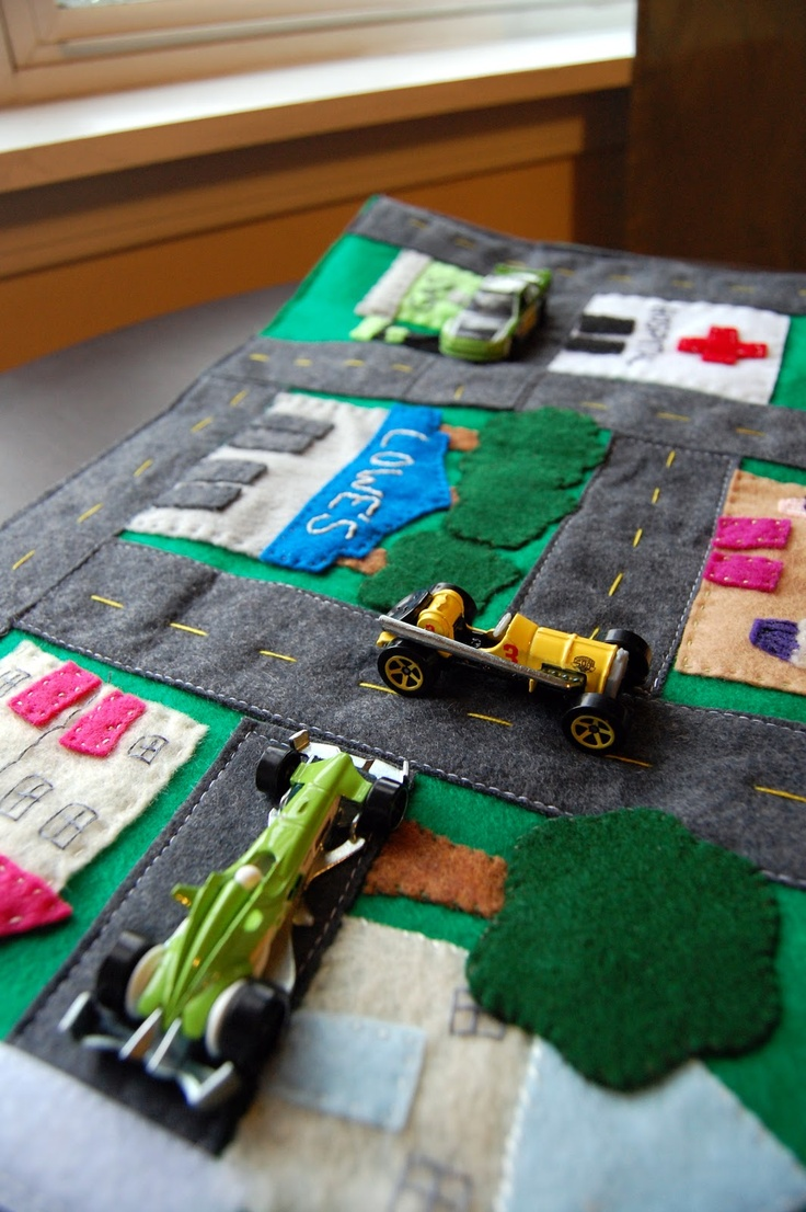 Done is Better than Perfect: Portable Felt Car Mat/Car cozy. This would be great for the camper!