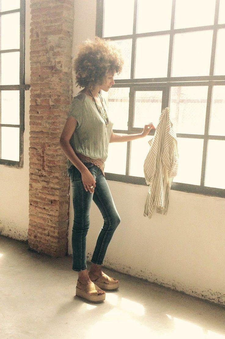 Let's do it! Hoy estamos en pleno shooting con los new arrivals de la nueva temporada 😍 #moda #fashion #trendy #tendencias #inspiration #models #shopping #newarrivals #barcelona #shopinbarcelona #florencia #florenciashop #style #estilo #chic #casuallook #bohoinspiration #streetstyle #outfitoftheday #lookoftheday