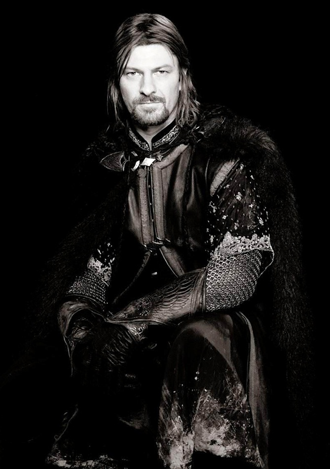 Sean Bean as Boromir in 'The Lord of the Rings' .  Loved his character and there is something about this medieval attire !