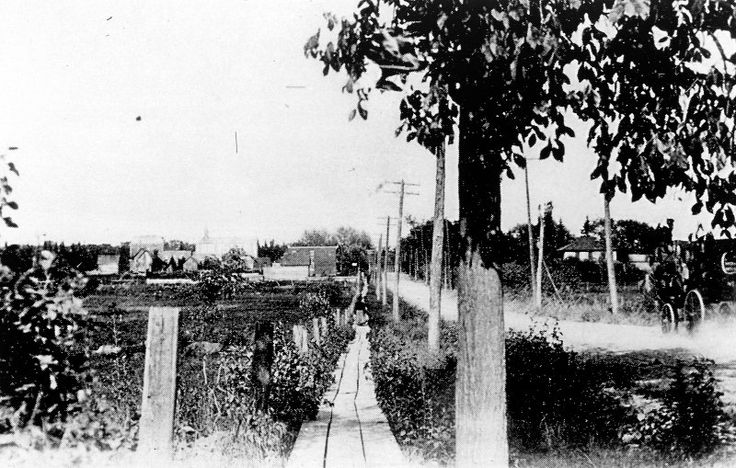 Montreal Rd, Eastview (now Vanier) 1900 http://www.museoparc.ca