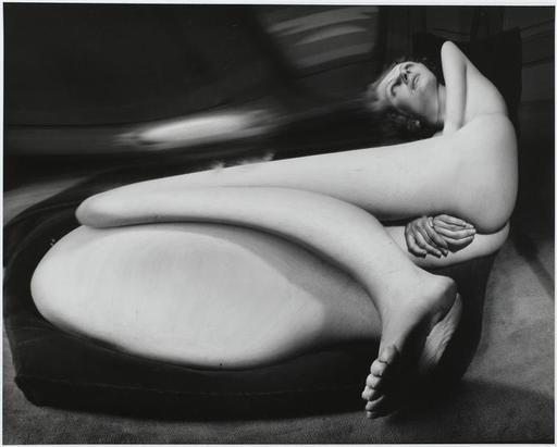 """André Kertész: """"Distorsion n° 40, Paris"""" (1933). Técnica: negativo de gelatina de plata. Corriente: Surrealismo."""