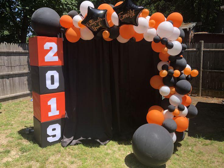 Graduation balloon backdrop