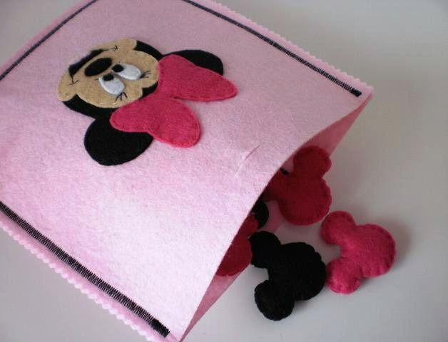 Twins and Crafts: Minnie Mouse